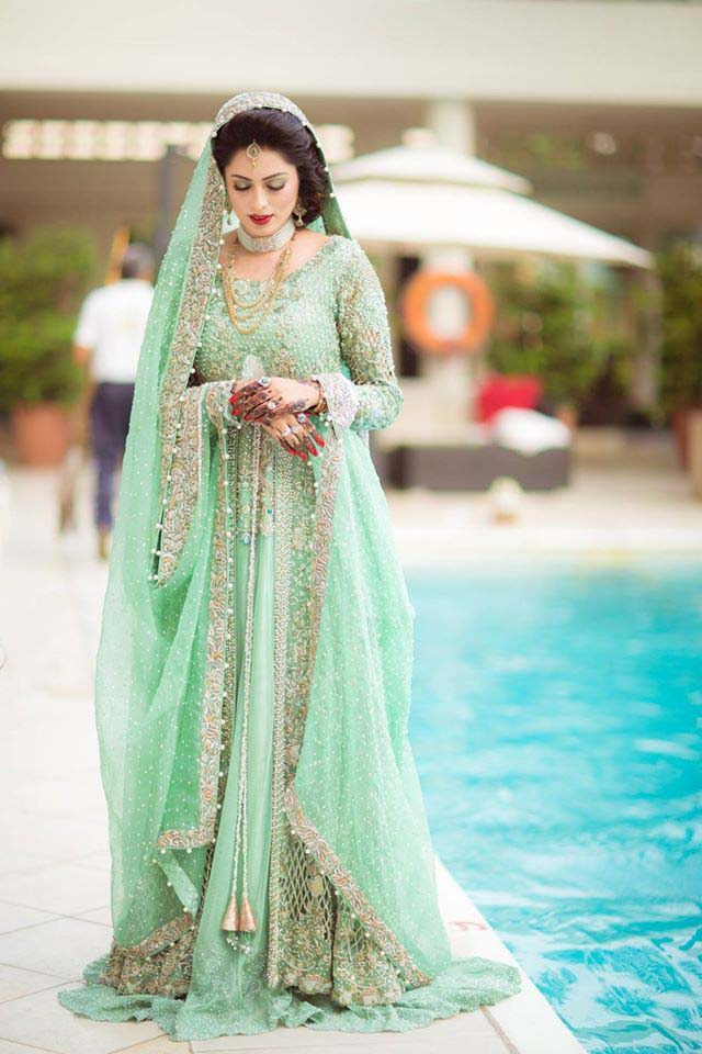 Latest pakistani bridal dresses 2016 2017 stylo planet for Online pakistani wedding dresses