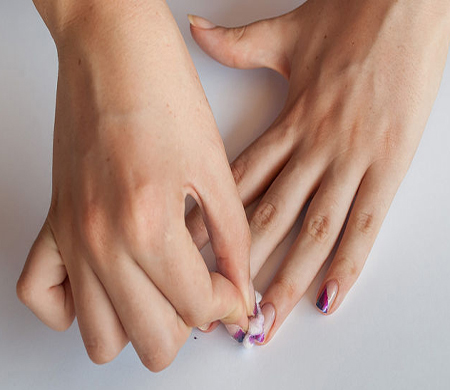 Easy Steps To Do A Prfessional Manicure At Home Easily...styloplanet (2)