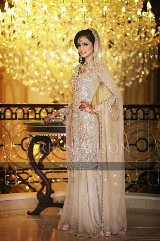 Bridal Engagement Dresses Designs Collection 2016-2017 (24)