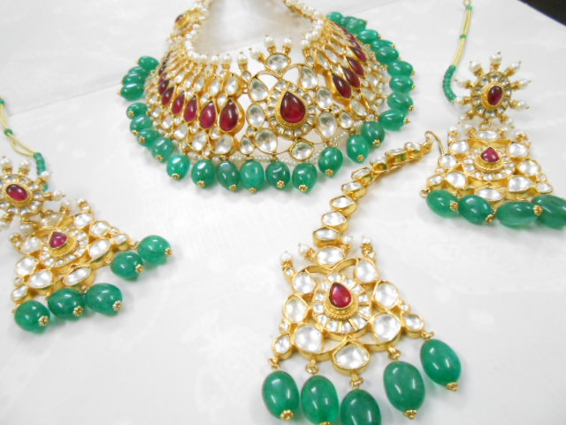 Latest Kundan Jewellery Designs & Trends for Asian Women 2016 (15)