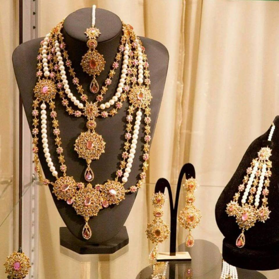 Latest Kundan Jewellery Designs & Trends for Asian Women 2016 (36)