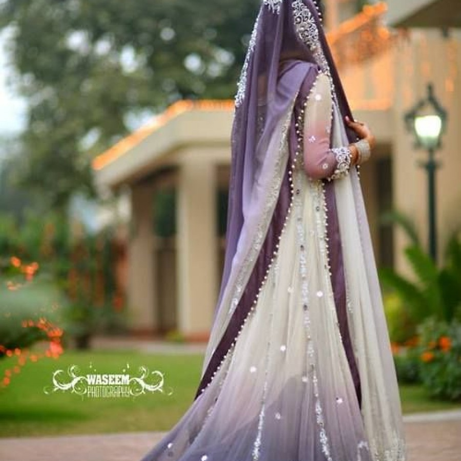 Latest Long Tail Wedding Maxis Dresses Collection 2016-2017 (15)