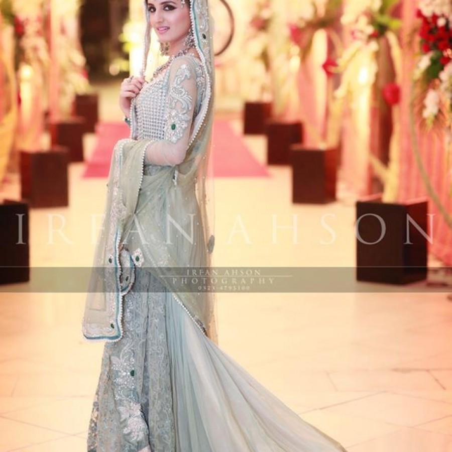 Latest Long Tail Wedding Maxis Dresses Collection 2016-2017 (27)
