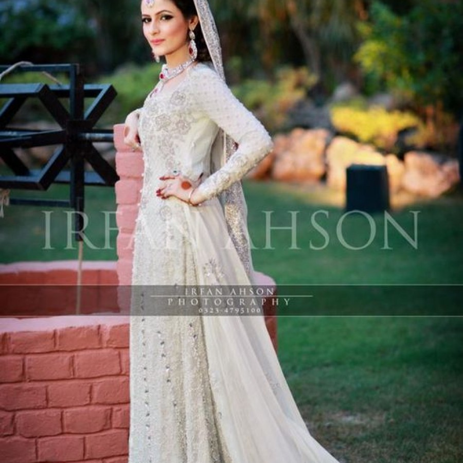 Latest Long Tail Wedding Maxis Dresses Collection 2016-2017 (7)