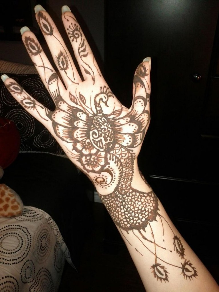 Latest Peacock Mehndi Designs For Girls 2016-2017.