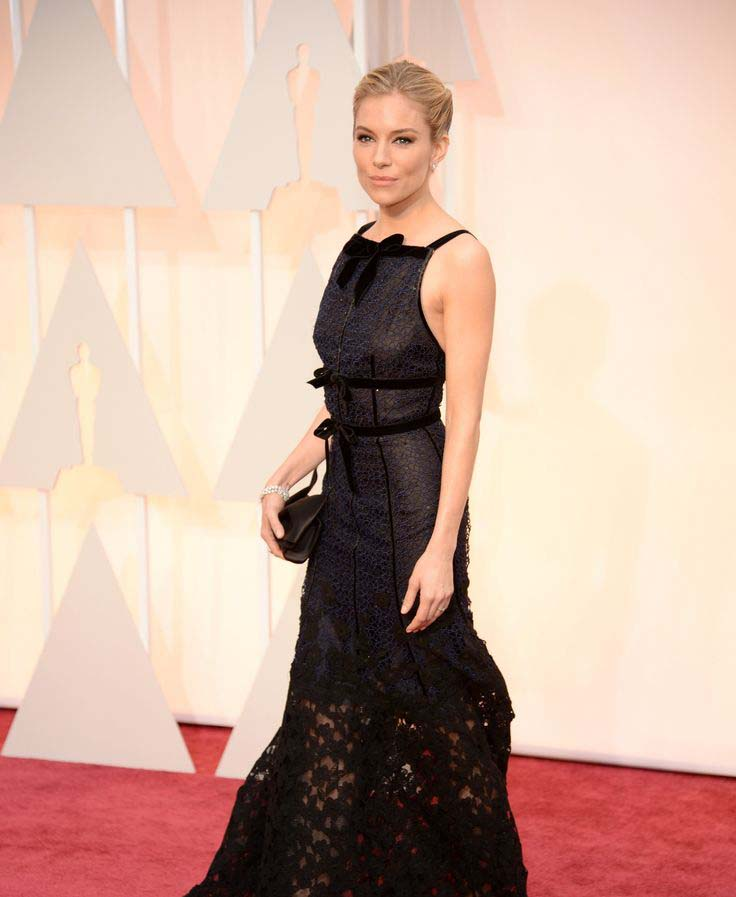 Sienna Miller In Oscar De La Renta with Forevermark Diamond Earrings