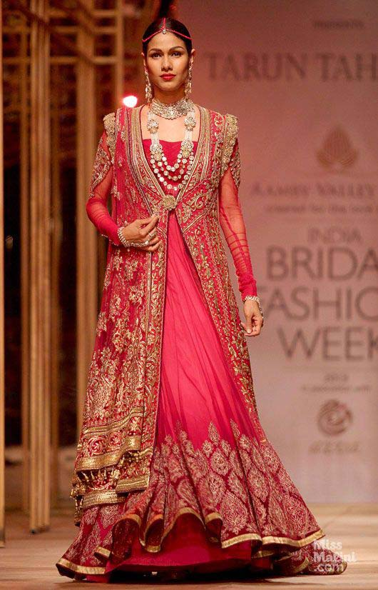 Latest Indian Designers Barat Dresses for Wedding Brides 2016-2017 (13)