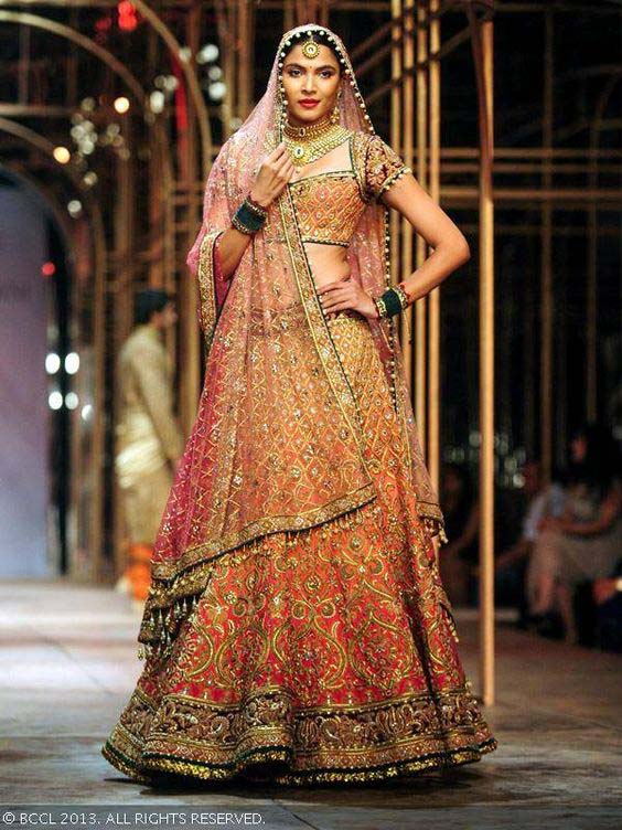 Latest Indian Designers Barat Dresses for Wedding Brides 2016-2017 (16)