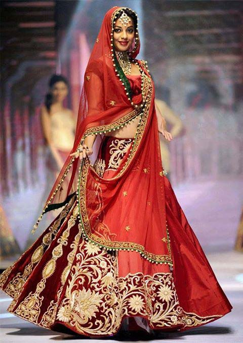 Latest Indian Designers Barat Dresses for Wedding Brides 2016-2017 (31)