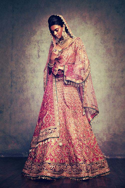 Latest Indian Designers Barat Dresses for Wedding Brides 2016-2017 (34)