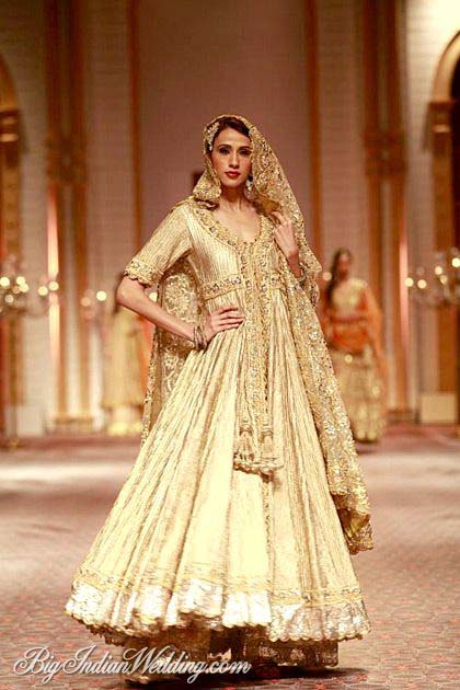 Latest Indian Designers Barat Dresses for Wedding Brides 2016-2017 (35)