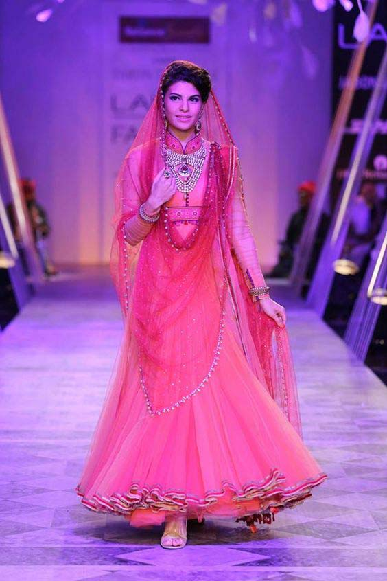 Latest Indian Designers Barat Dresses for Wedding Brides 2016-2017 (38)
