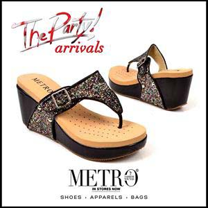 Metro Shoes Stylish Summer Footwear, Clutches and Bags Collection 2016-2017 (10)