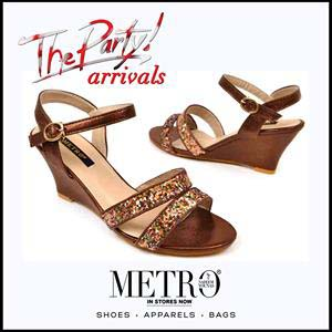 Metro Shoes Stylish Summer Footwear, Clutches and Bags Collection 2016-2017 (6)