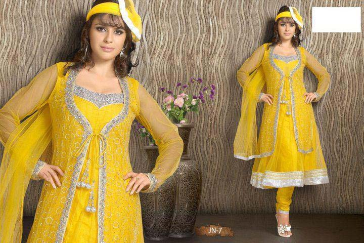 Mehndi Dress Designs 2016 New Style : Bridal mehndi dresses in yellow color 2016 stylo planet