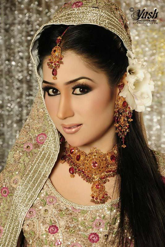 Pakistani Best Bridal Makeup Tutorial- Step by Step (17)