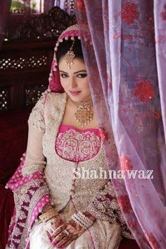 Stylish Walima Dresses For Wedding Pakistani Brides 2016-2017 (8)