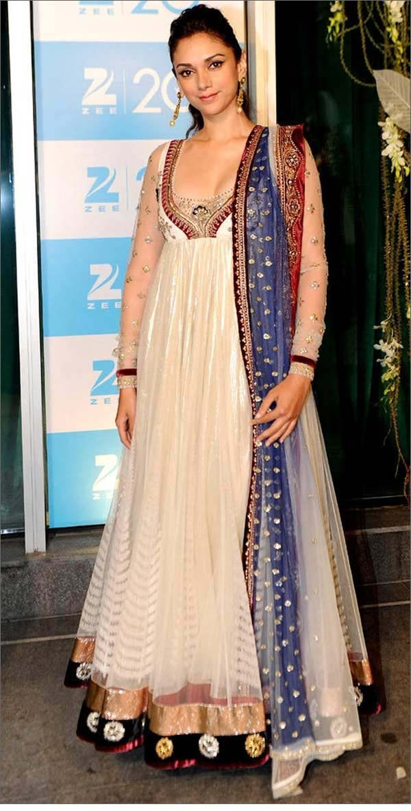 Bollywood-actresses-Floor-Length-Anarkali-Gown1