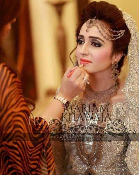 Beautiful Bridal Barat Dresses Designs Collection 2016-2017 for Wedding Brides (16)