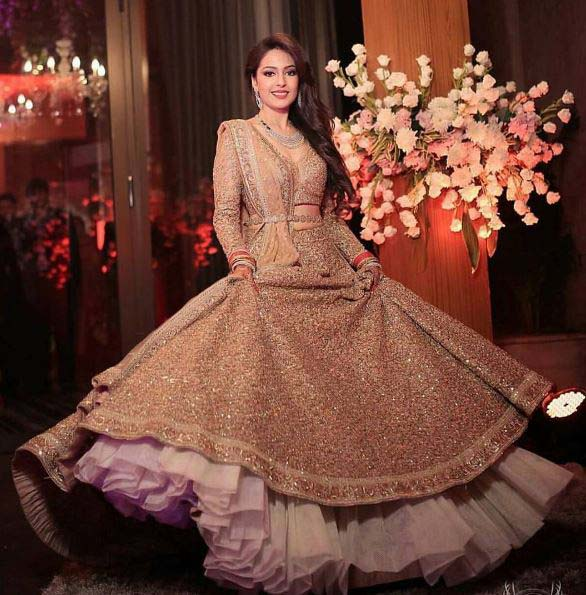 Beautiful Bridal Barat Dresses Designs Collection 2016-2017 for Wedding Brides (20)
