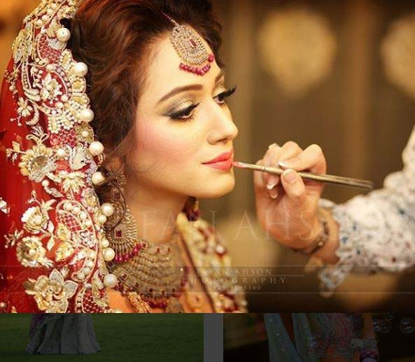 Beautiful Bridal Barat Dresses Designs Collection 2016-2017 for Wedding Brides (3)