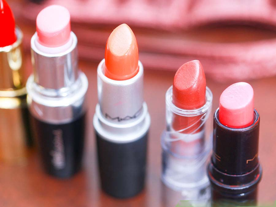 How to Pick Best Lipstick Color For Your Skin Tone
