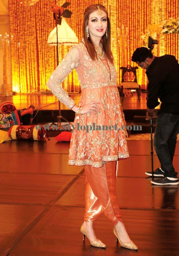 latest-fashion-of-pakistani-and-indian-frocks-2016-2017-designs-27
