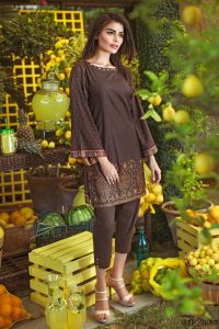 pakistani-designers-latest-kurtas-collection-for-women-2017-2018-11