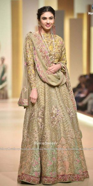 Aisha Fareed- mobile Hum Bridal Couture Week 2017 (4)
