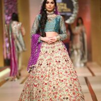 Annus Abrar-QMOBILE HUM TV BRIDAL COUTURE WEEK (QHBCW) 2017 DAY 3 (11)