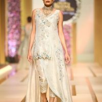 Asifa & Nabeel-QMOBILE HUM TV BRIDAL COUTURE WEEK (QHBCW) 2017 DAY 3 (7)