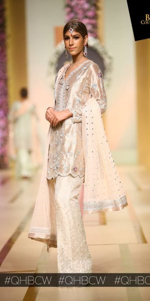 Sana Abbas-QMOBILE HUM TV BRIDAL COUTURE WEEK (QHBCW) 2017 DAY 3 (17)