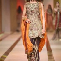 UMSHA BY UZMA BABAR- QMOBILE HUM BRIDAL COUTURE WEEK (QHBCW) 2017 DAY 2 (3)
