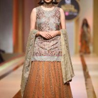 UMSHA BY UZMA BABAR- QMOBILE HUM BRIDAL COUTURE WEEK (QHBCW) 2017 DAY 2 (6)