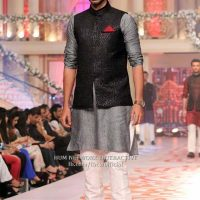 Latest Men Mehndi Dresses Shalwar Kameez and Kurta Designs 2017-2018 (24)