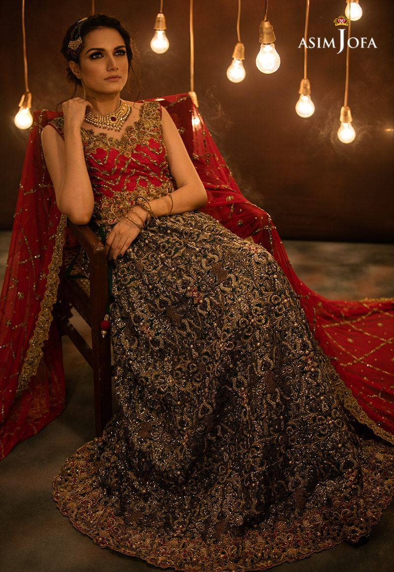 41bc59088f1 Asim Jofa s this collection is enriched with stunning designs. Amna Babar  beautiful model is posing in fabulous way to present each dress. Maxis