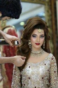 Latet Pakistani Bridals Hairstyle Ideas & Jwelery Designs 2018-2019 (11)