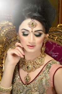 Latet Pakistani Bridals Hairstyle Ideas & Jwelery Designs 2018-2019 (14)