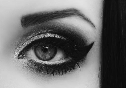 Black Smokey Eyes Makeup Step By Step- Tutorial (2)