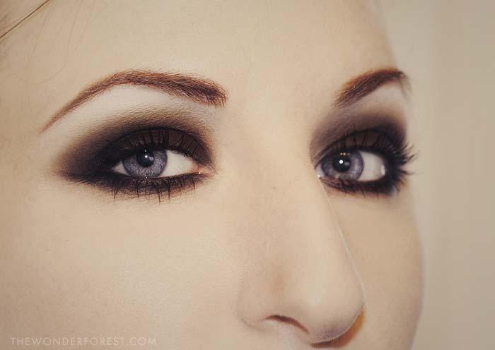 Black Smokey Eyes Makeup Step By Step- Tutorial (5)