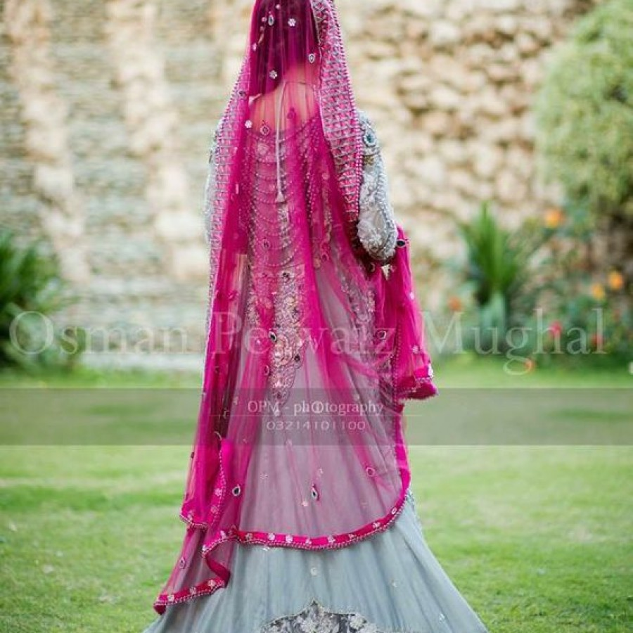 Latest Long Tail Wedding Maxis Dresses Collection 2016-2017 (12)