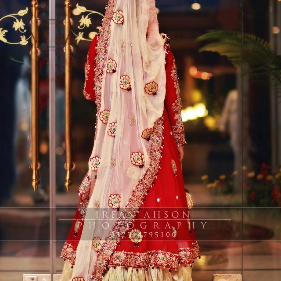 Latest Long Tail Wedding Maxis Dresses Collection 2016-2017 (21)