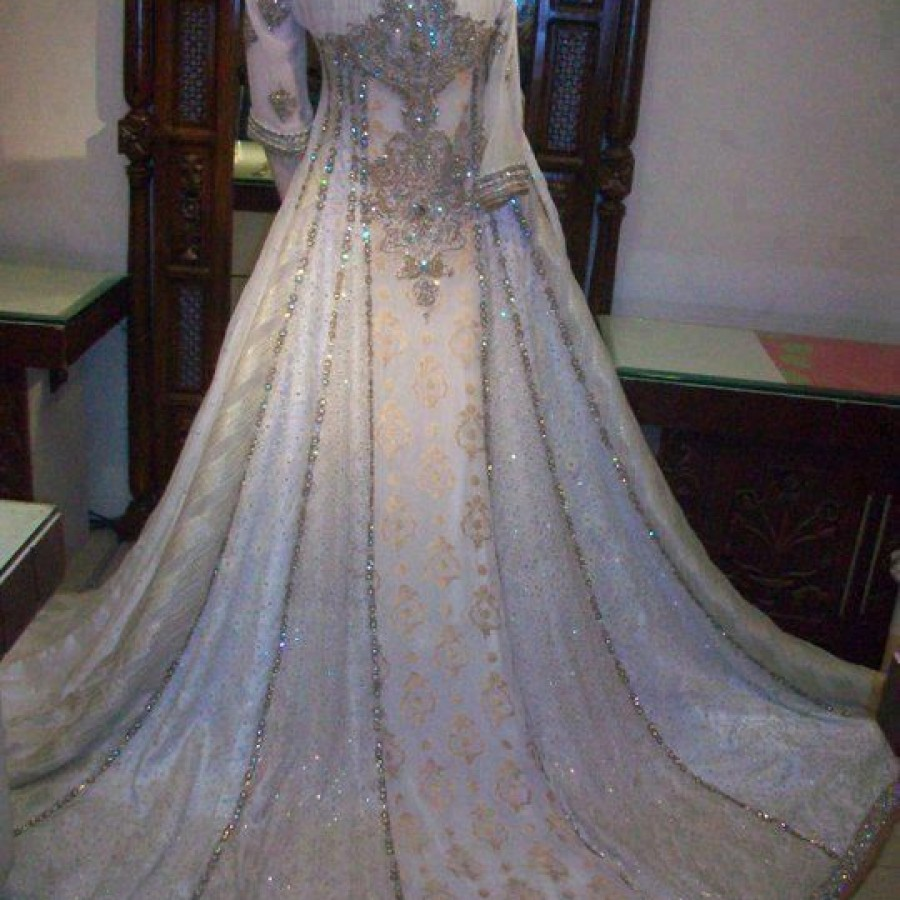 Latest Long Tail Wedding Maxis Dresses Collection 2016-2017 (5)