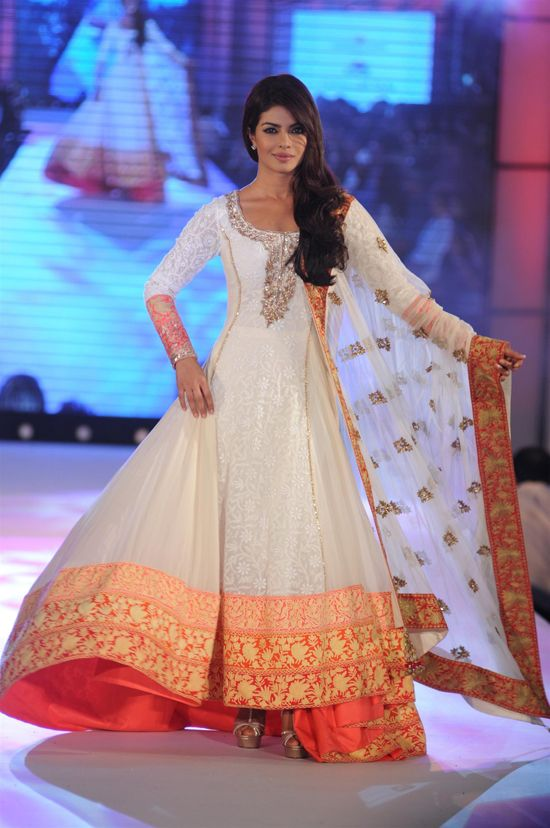 Party Wear & Wedding Wear Frocks Collection For Girls 2016-2017 (32)