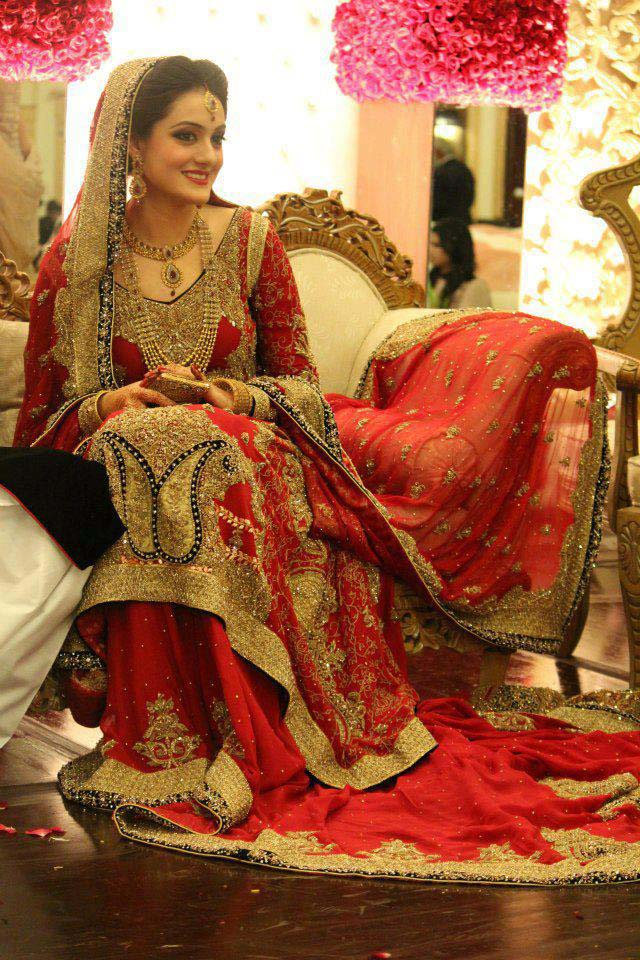 Bridal Wear Red Color Lehenga Designs Collection for Wedding Brides- Top 20 (10)