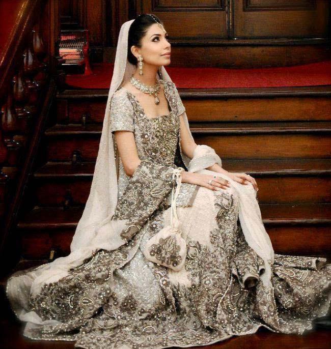 Latest Indian Designers Barat Dresses for Wedding Brides 2016-2017 (19)