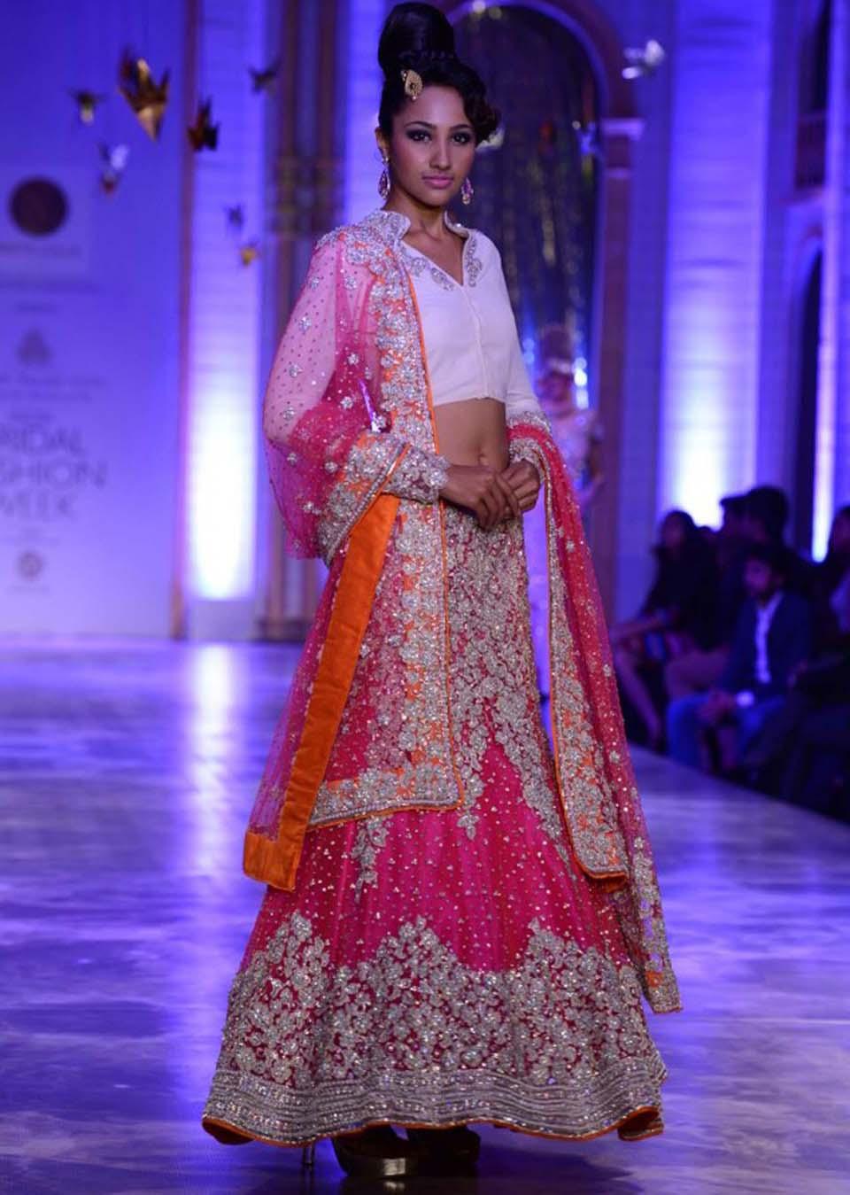 Latest Indian Designers Barat Dresses for Wedding Brides 2016-2017 (24)