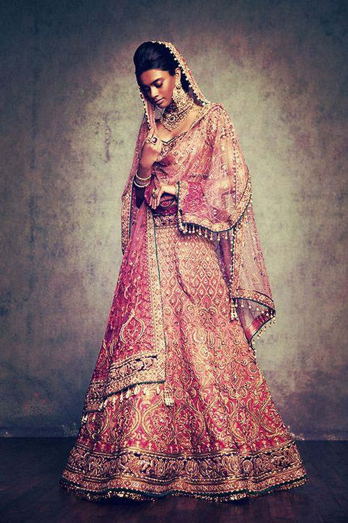 Latest Indian Designers Barat Dresses for Wedding Brides 2016-2017 (34)