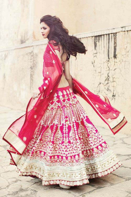 Latest Indian Designers Barat Dresses for Wedding Brides 2016-2017 (36)