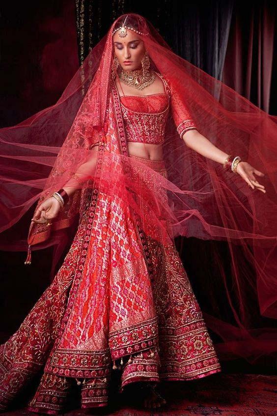 Latest Indian Designers Barat Dresses for Wedding Brides 2016-2017 (40)
